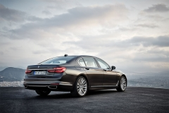 BMW-7-Series-2016-201CVB