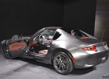 Mazda-MX-5-RF-2016-2017-salon-3-╨░╤З