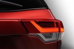 Toyota-Highlander-2017-2018-4-