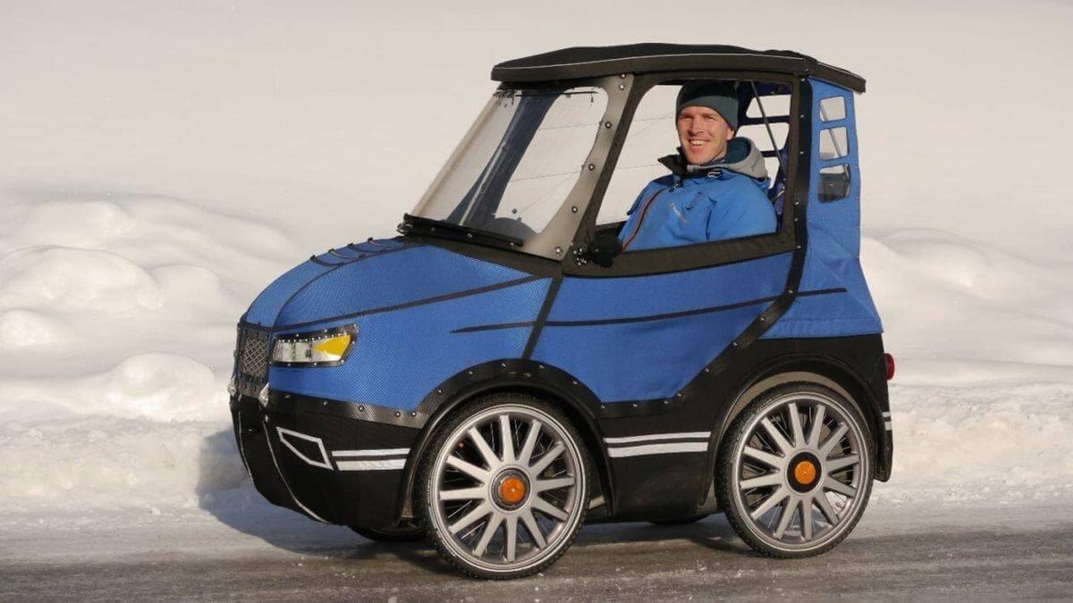 Гражданин Швеции сконструировал гибрид из велосипеда и автомобиля.