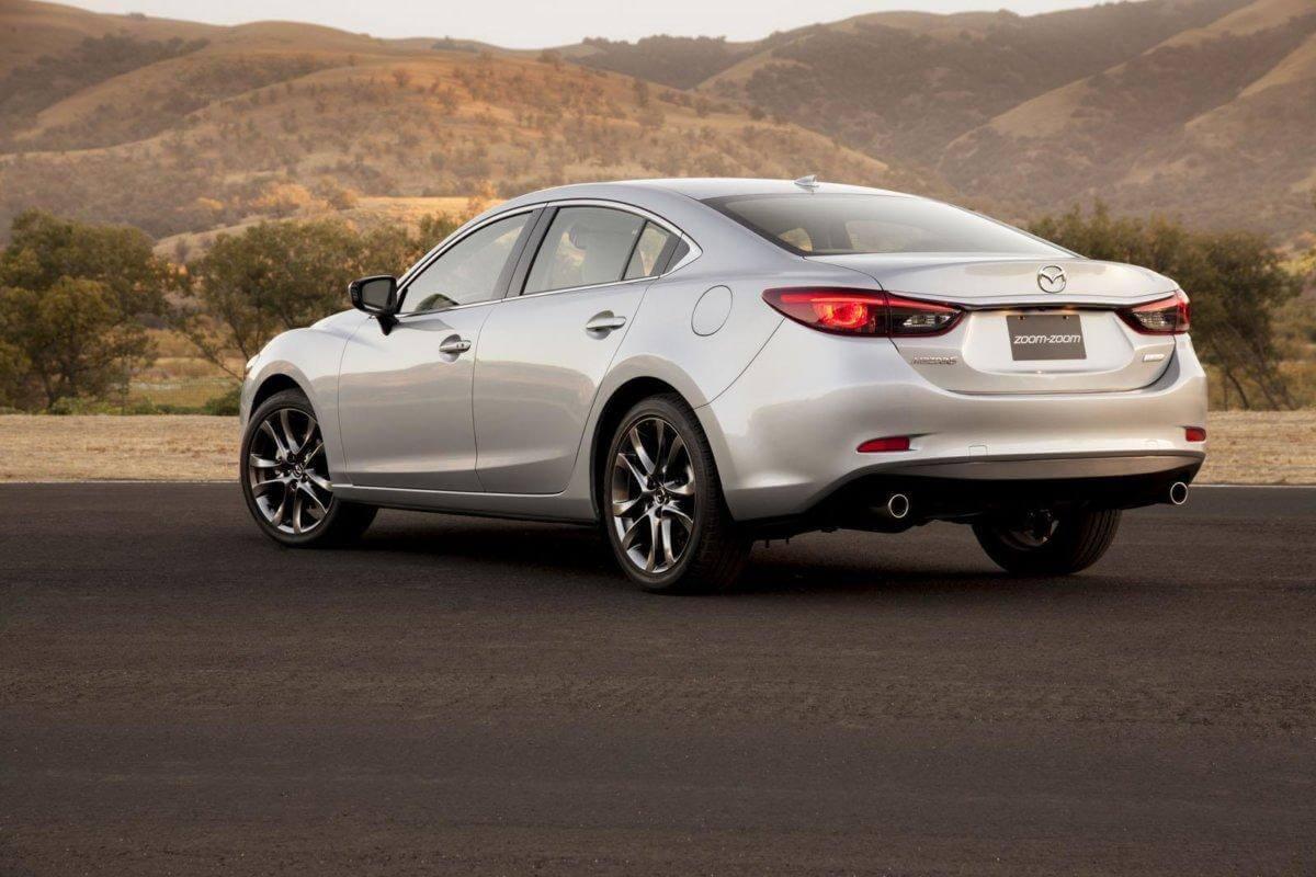 BMW планирует обновить внедорожник X5 к 2018 году.