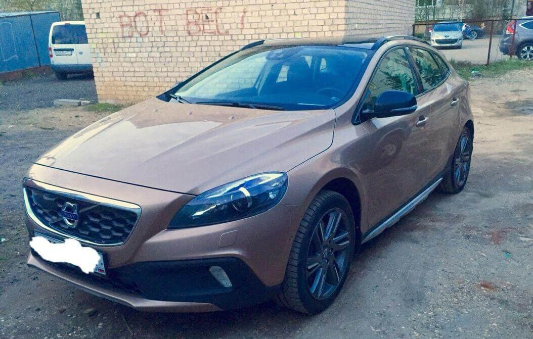Volvo V40 Cross Country I 2.0 л 213 л.с. бензин 2013 Автомат отзыв автовладельца