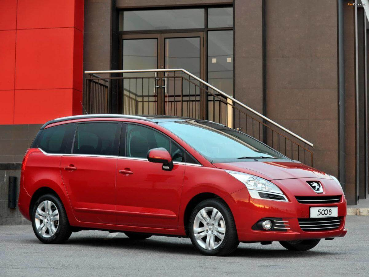 peugeot_5008_2011_pictures_1.jpg