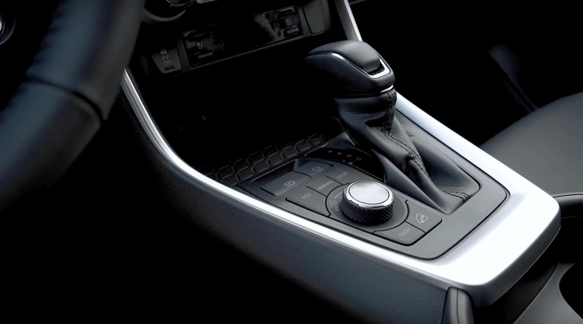 Toyota RAV 4 2019 коробка