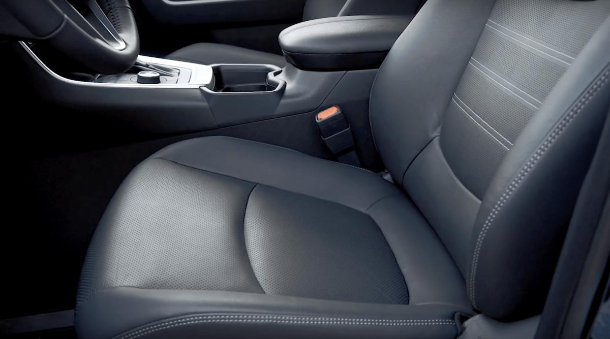 Toyota RAV 4 2019 сиденья