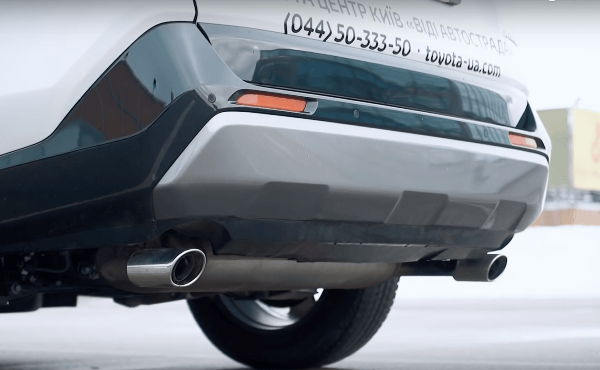 Toyota RAV 4 задний бампер