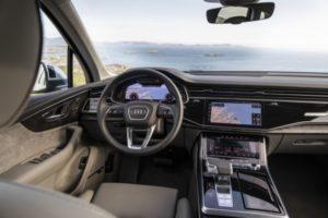 Монитор Audi Q7 – один из популярнейших штатных устройств