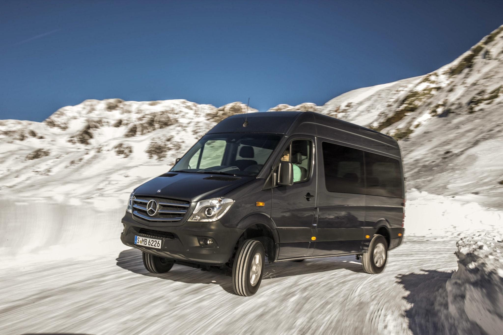 Mercedes-Benz тестирует Sprinter при -30 градусах мороза