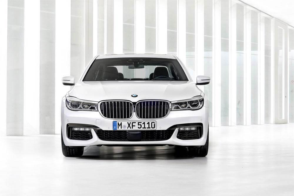 BMW 7 Series 2016– старое по-новому.