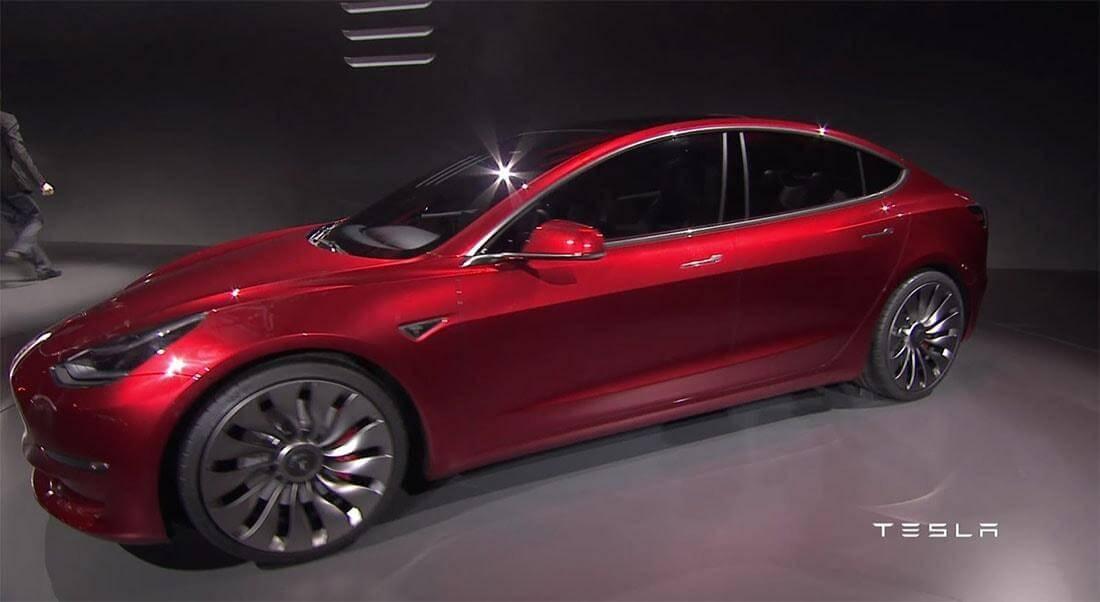Tesla Model 3 2017-2018– инновации по новому.